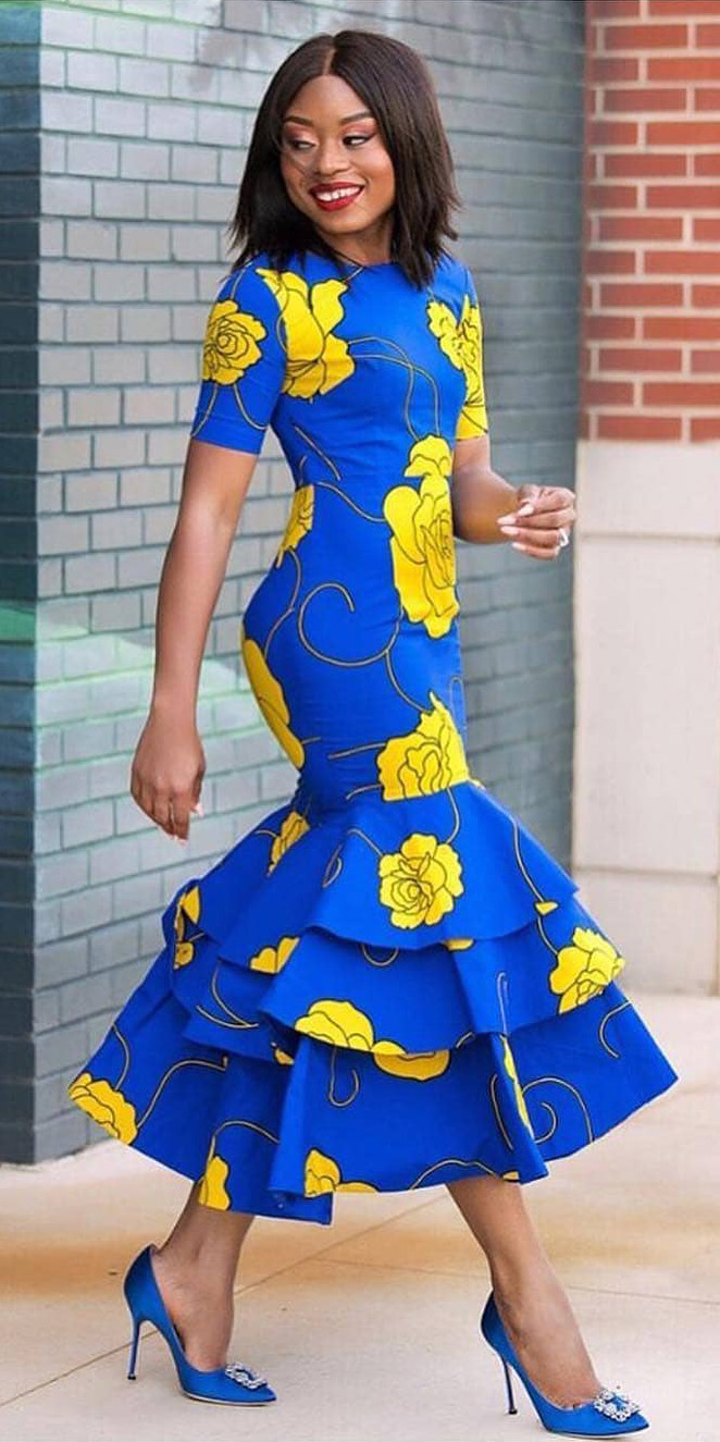 what-to-wear-for-a-spring-wedding-guest-outfit-blue-med-dress-midi-floral-print-brun-blue-shoe-pumps-dinner.jpg