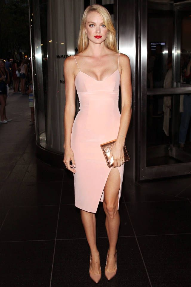 pink-light-dress-bodycon-tan-shoe-pumps-tan-bag-clutch-howtowear-fashion-style-outfit-spring-summer-blonde-dinner.jpg