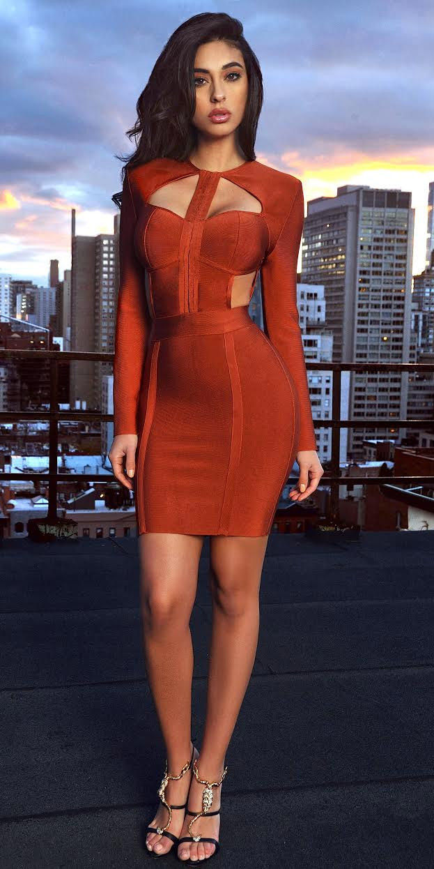 orange-dress-bodycon-cutout-black-shoe-sandalh-spring-summer-brun-dinner.jpg