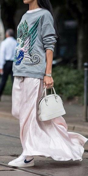 pink-light-dress-maxi-white-shoe-sneakers-white-bag-grayl-sweater-sweatshirt-graphic-spring-summer-weekend.jpg