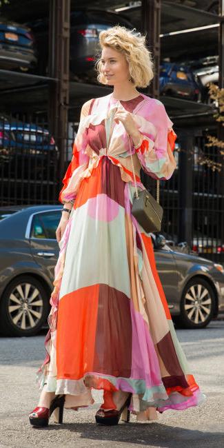 pink-light-dress-peasant-print-maxi-blonde-bob-red-shoe-sandalh-howtowear-fashion-fall-winter-wedding-dinner.jpg