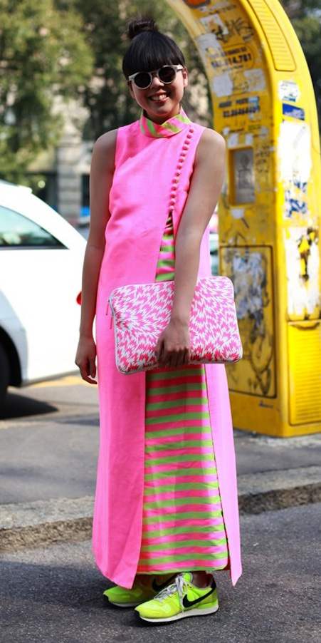 pink-magenta-dress-maxi-green-shoe-sneakers-pink-bag-clutch-brun-sun-spring-summer-lunch.jpg