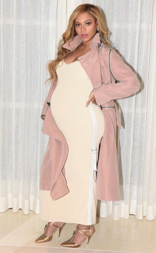 white-dress-r-pink-light-jacket-coat-trench-tan-shoe-pumps-beyonce-maxi-metallic-maternity-howtowear-fashion-style-outfit-hairr-spring-sumemr-dinner.jpg