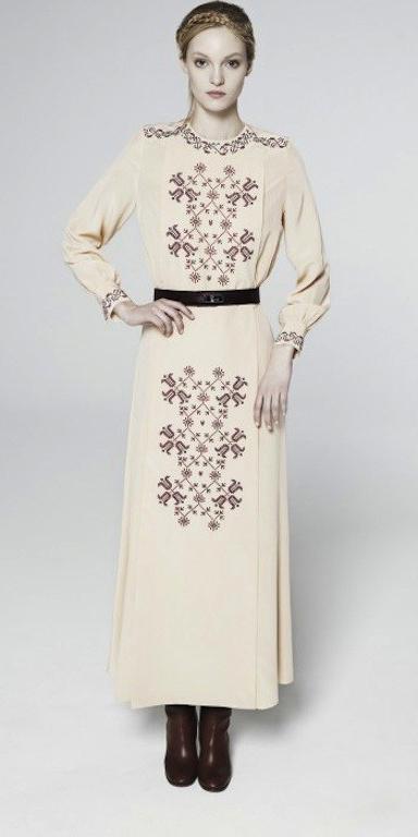 white-dress-peasant-blonde-maxi-belt-brown-shoe-booties-howtowear-fashion-fall-winter-lunch.jpg