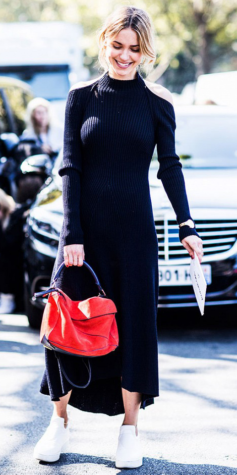 black-dress-white-shoe-sneakers-red-bag-sweater-maxi-pony-howtowear-fashion-style-outfit-fall-winter-blonde-weekend.jpg