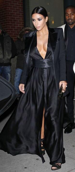 black-dress-maxi-black-jacket-blazer-mono-black-shoe-sandalh-kimkardashian-brun-fall-winter-dinner.jpg