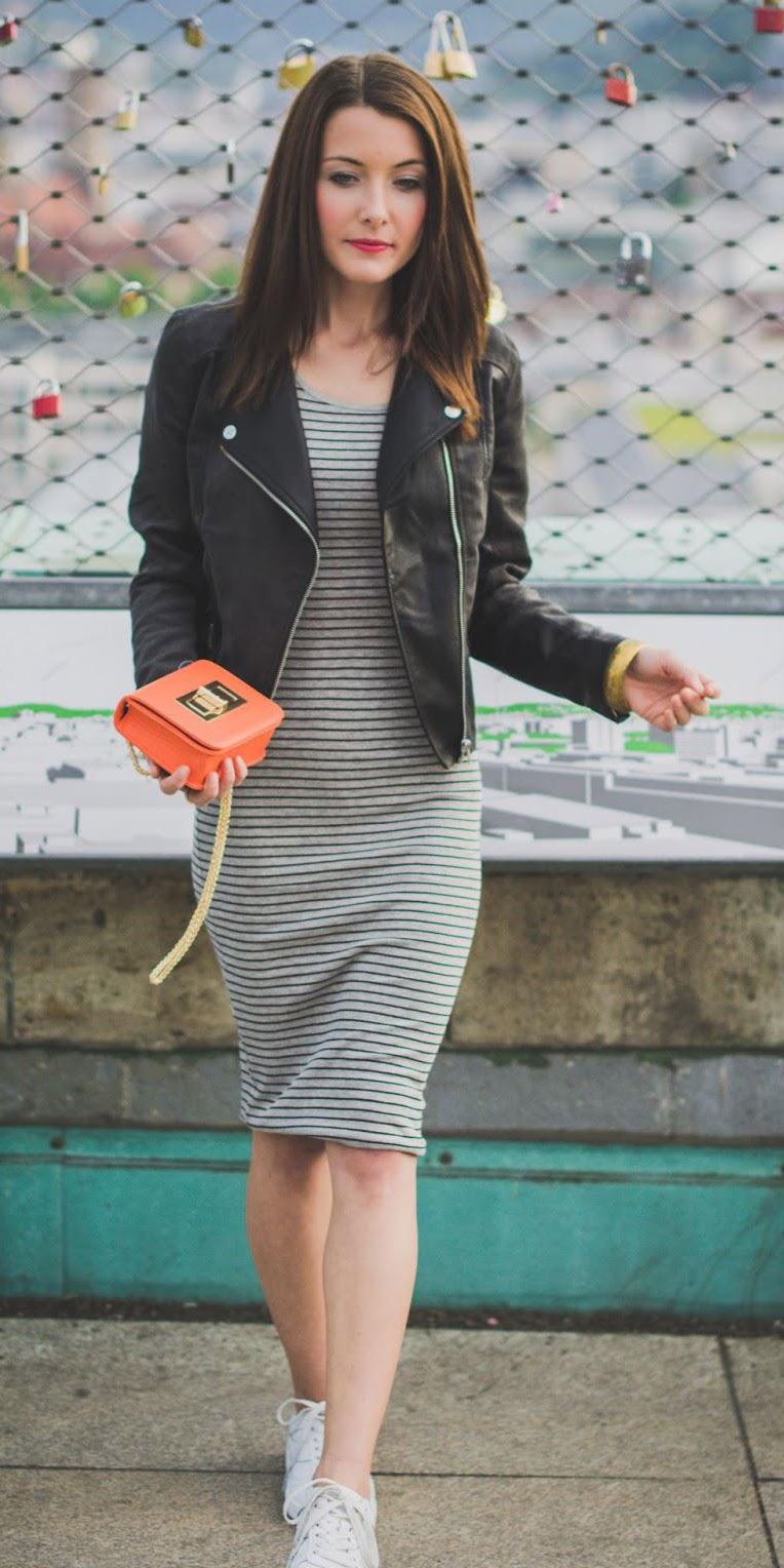 grayl-dress-bodycon-tshirt-orange-bag-black-jacket-moto-white-shoe-sneakers-spring-summer-brun-lunch.jpg
