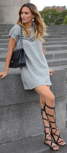 grayl-dress-black-shoe-sandals-gladiator-black-bag-earrings-tshirt-howtowear-fashion-style-spring-summer-outfit-hairr-weekend.jpg