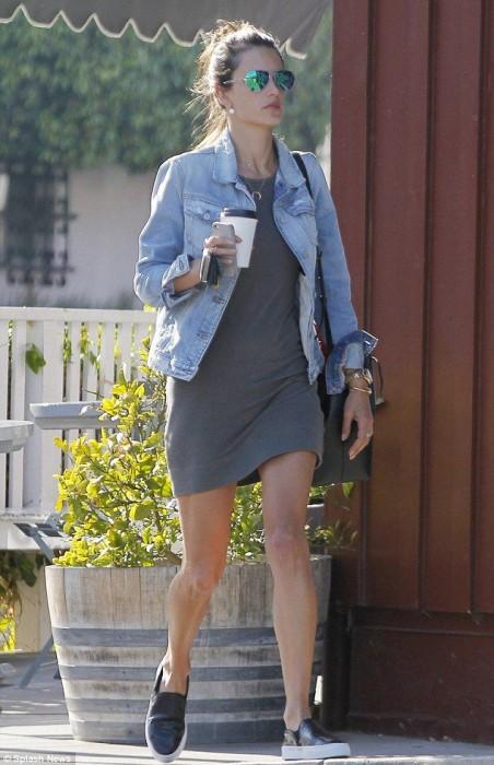 grayd-dress-blue-light-jacket-jean-black-shoe-sneakers-black-bag-sun-bun-tshirt-wear-style-fashion-fall-winter-alessandraambrosio-weekend.jpg