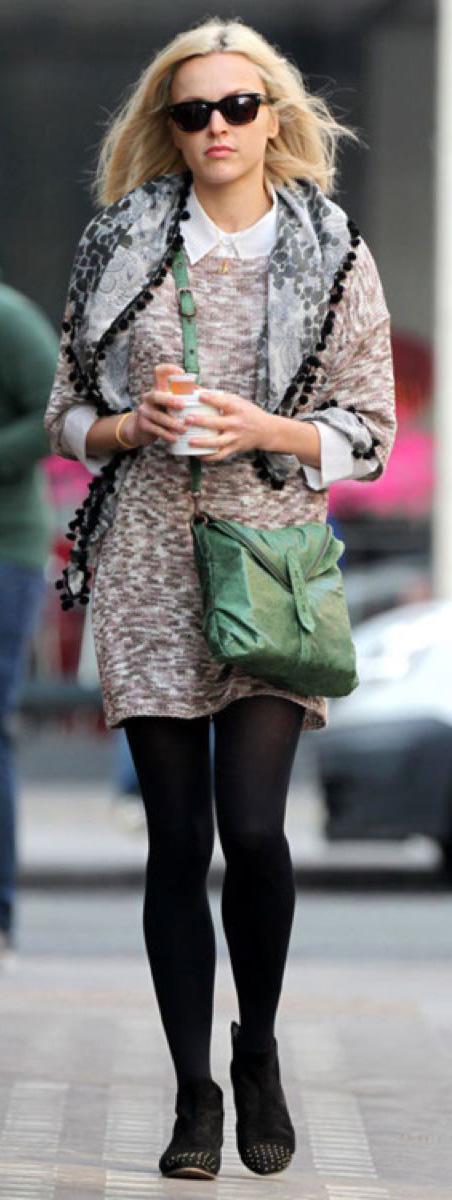o-tan-dress-white-collared-shirt-grayl-scarf-black-shoe-booties-black-tights-green-bag-sun-sweater-wear-style-fashion-fall-winter-fearnecotton-blonde-work.jpg