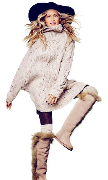 tan-dress-sweater-turtleneck-hat-tights-socks-tan-shoe-boots-howtowear-fall-winter-blonde-lunch.jpg