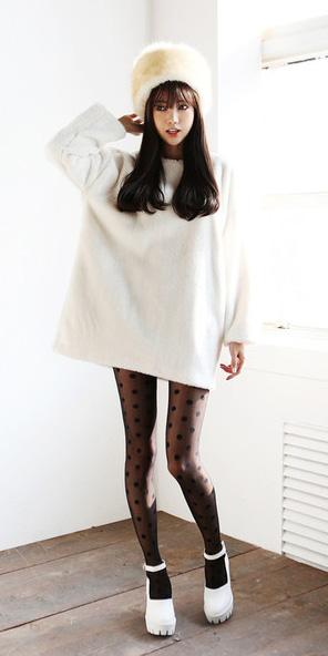 white-dress-sweater-hat-black-tights-dot-white-shoe-pumps-fall-winter-brun-lunch.jpg