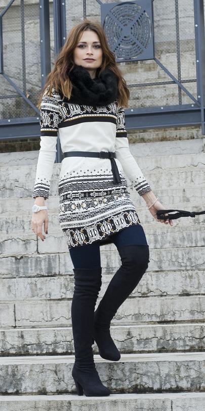 blue-navy-leggings-white-dress-sweater-print-black-scarf-black-shoe-boots-otk-fall-winter-hairr-lunch.jpg