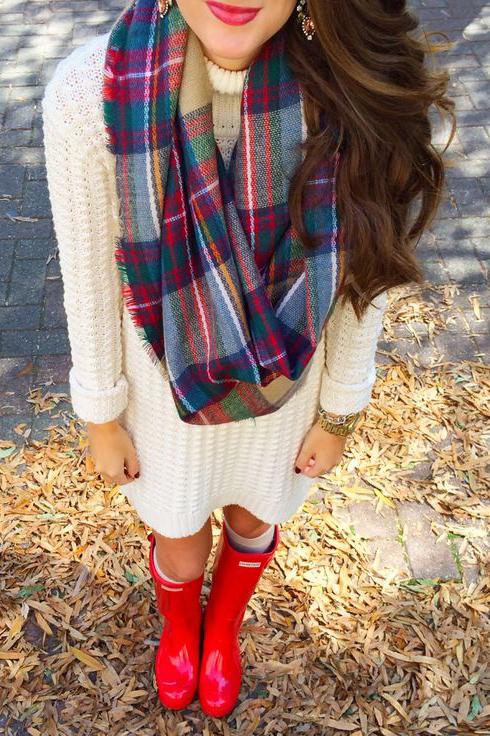 how-to-style-white-dress-sweater-plaid-scarf-hairr-red-shoe-boots-rain-wellies-fall-winter-fashion-lunch.jpg