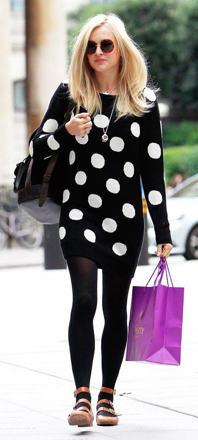 black-dress-zprint-dot-tan-shoe-flats-black-tights-sun-sweater-wear-style-fashion-fall-winter-fearnecotton-celebrity-blonde-lunch.jpg