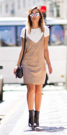 tan-dress-slip-white-tee-layer-black-shoe-booties-sun-howtowear-fall-winter-hairr-lunch.jpg