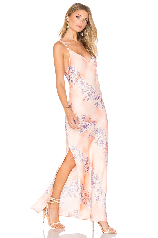 peach-dress-slip-floral-print-earrings-white-shoe-sandalh-spring-summer-blonde-dinner.jpg