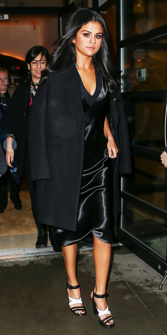 black-dress-slip-black-jacket-coat-white-shoe-sandalh-brun-selenagomez-howtowear-fashion-style-outfit-fall-winter-holiday-classic-dinner.jpg
