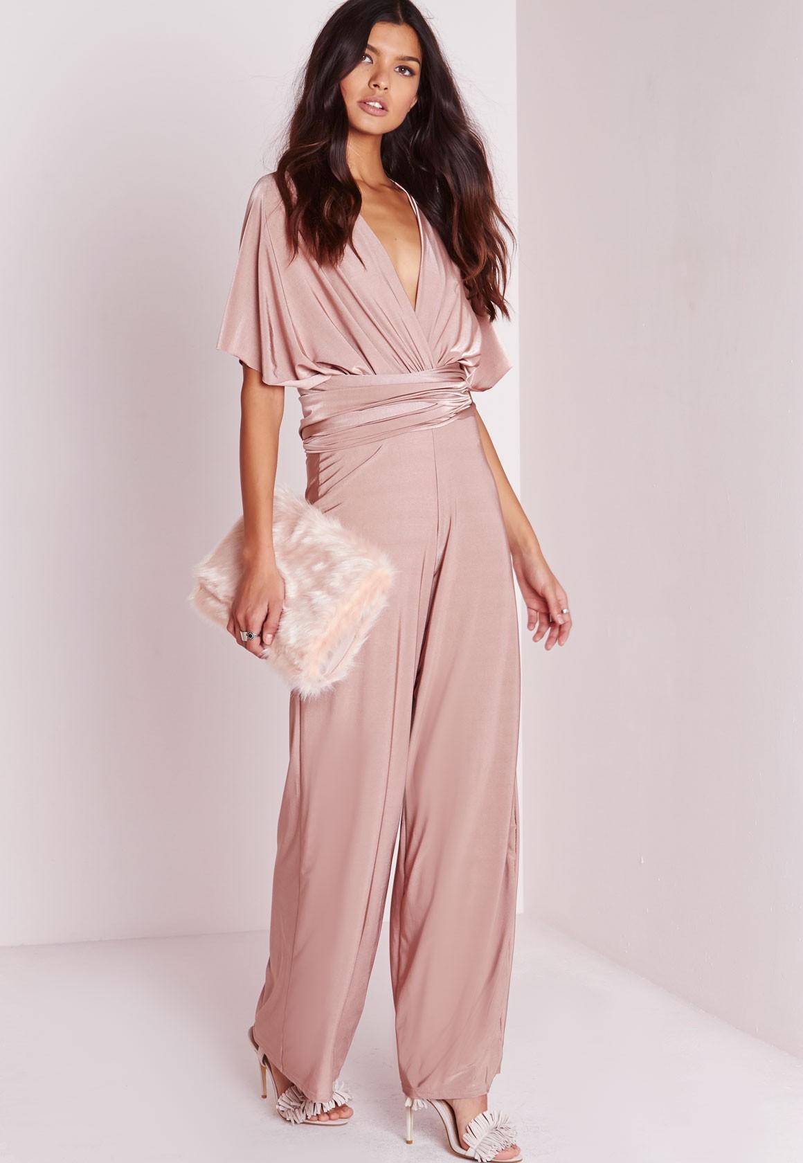 pink-light-jumpsuit-pink-bag-clutch-white-shoe-sandalh-howtowear-spring-summer-brun-dinner.jpg