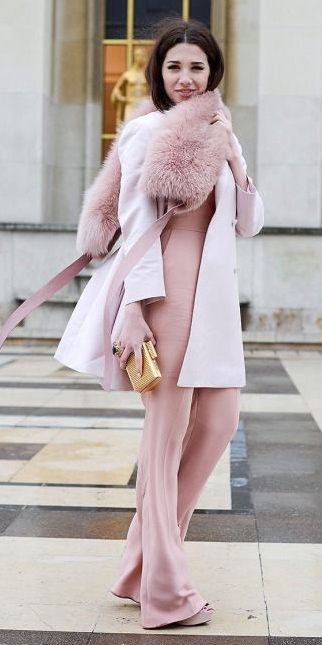 how-to-style-pink-light-jumpsuit-pink-light-scarf-fur-stole-brun-mono-pink-light-jacket-coat-tan-bag-clutch-gold-fall-winter-fashion-dinner.jpg