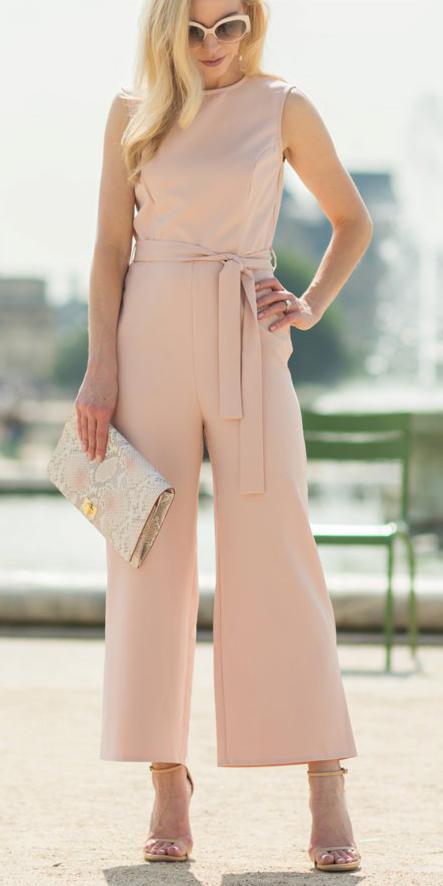 tan-jumpsuit-white-bag-clutch-tan-shoe-sandalh-sun-howtowear-spring-summer-blonde-dinner.jpg