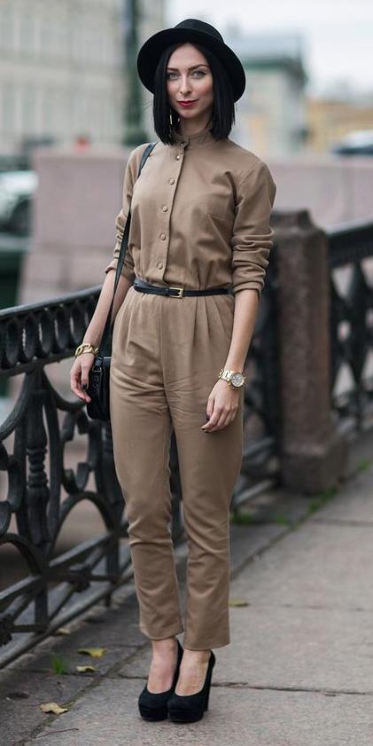 tan-jumpsuit-belt-hat-black-shoe-pumps-watch-howtowear-fall-winter-brun-lunch.jpg