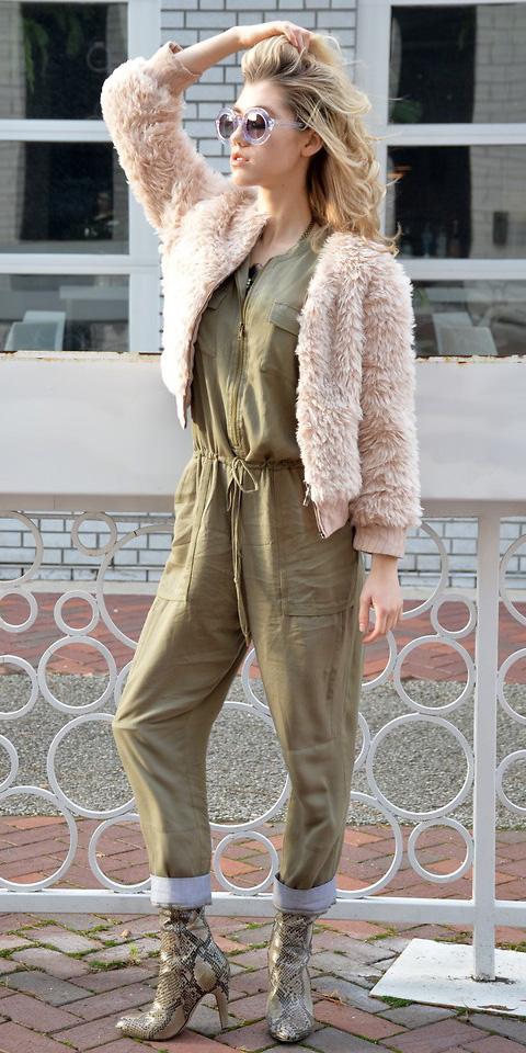 tan-jumpsuit-pink-light-jacket-bomber-fur-blonde-sun-tan-shoe-booties-snakeskin-fall-winter-lunch.jpg