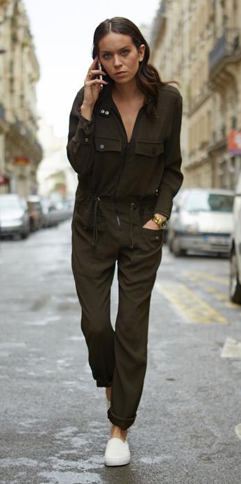 green-olive-jumpsuit-white-shoe-sneakers-watch-howtowear-fall-winter-hairr-weekend.jpg