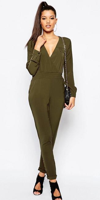 green-olive-jumpsuit-black-shoe-sandalh-black-bag-hoops-pony-howtowear-fall-winter-brun-dinner.jpg