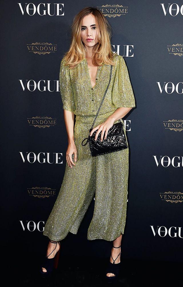 green-olive-jumpsuit-party-black-bag-blue-shoe-sandalh-sukiwaterhouse-howtowear-fall-winter-blonde-dinner.jpg