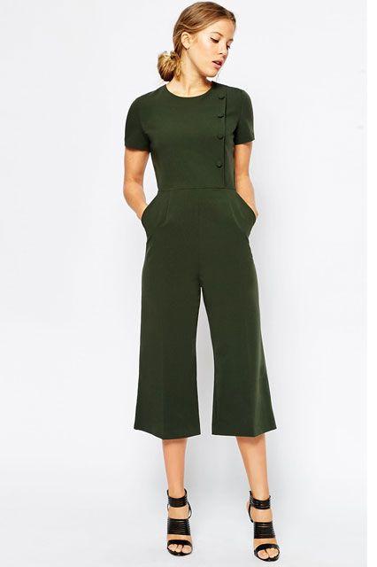green-olive-jumpsuit-black-shoe-sandalh-bun-hairr-playsuit-howtowear-fashion-style-spring-summer-work.jpg