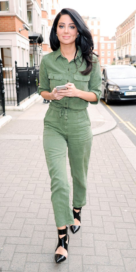 green-olive-jumpsuit-black-shoe-pumps-tulsacontostavlos-england-howtowear-fashion-style-outfit-spring-summer-brun-lunch.jpg