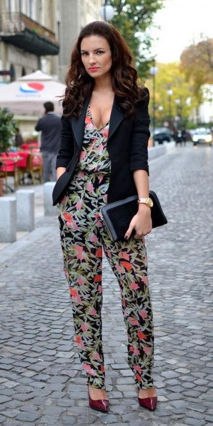 green-olive-jumpsuit-floral-print-black-jacket-blazer-black-bag-clutch-burgundy-shoe-pumps-howtowear-spring-summer-brun-dinner.jpg
