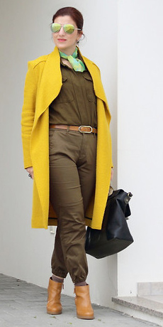 how-to-style-green-olive-jumpsuit-belt-green-light-scarf-neck-yellow-jacket-coat-hairr-sun-cognac-shoe-booties-fall-winter-fashion-lunch.jpg