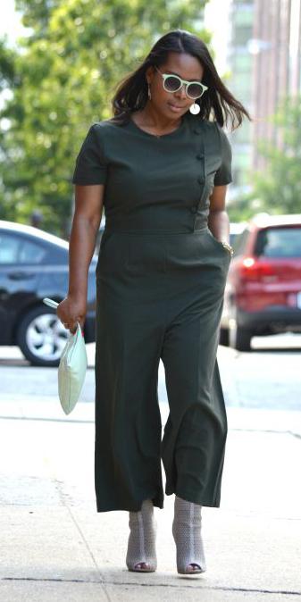 green-olive-jumpsuit-gray-shoe-booties-sun-howtowear-fall-winter-brun-lunch.jpg