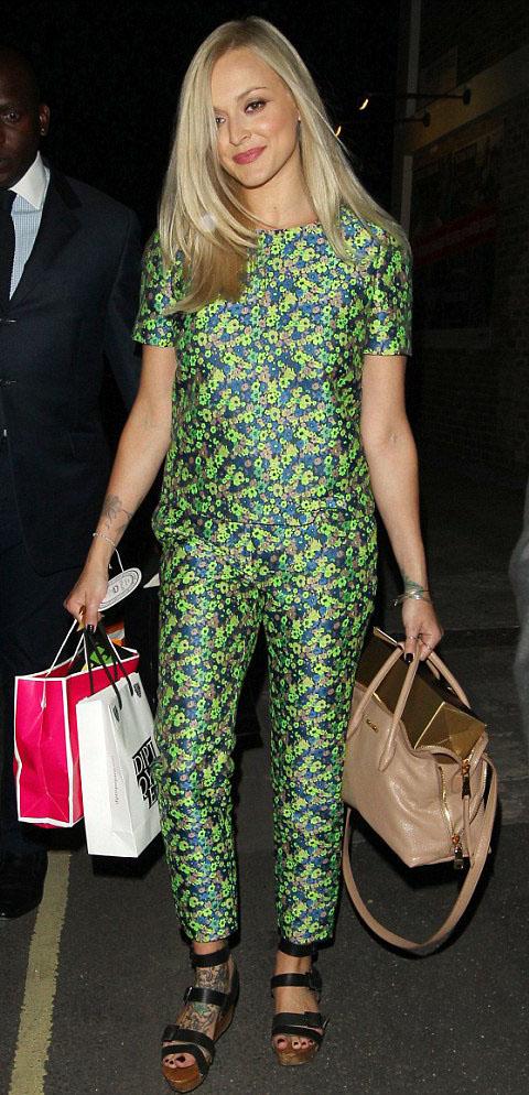 green-emerald-jumpsuit-black-shoe-sandalw-blonde-tan-bag-spring-summer-wear-fashion-style-fearnecotton-celebrity-lunch.jpg