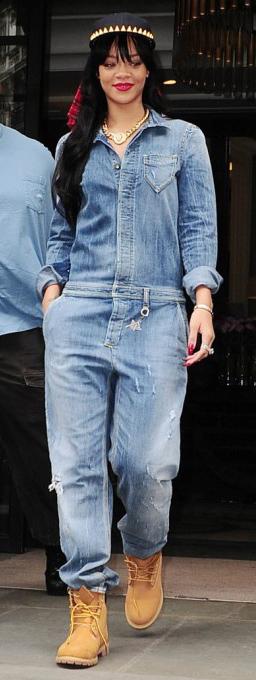 blue-light-jumpsuit-tan-shoe-booties-brun-head-fall-winter-wear-fashion-style-rihanna-timberland-celebrity-necklace-weekend.jpg