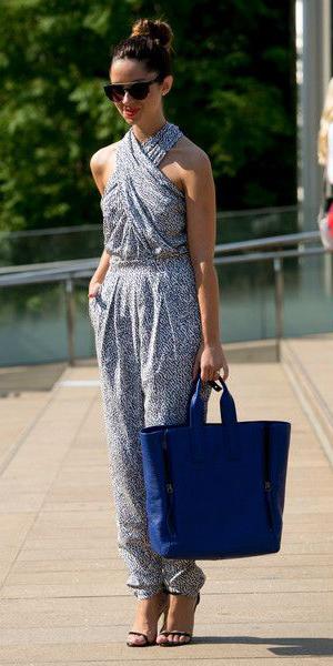 blue-light-jumpsuit-sun-bun-blue-bag-tote-howtowear-spring-summer-hairr-lunch.jpg