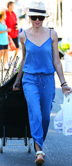blue-med-jumpsuit-blonde-sun-white-shoe-sandals-spring-summer-wear-fashion-style-naomiwatts-hat-panama-celebrity-weekend.jpg