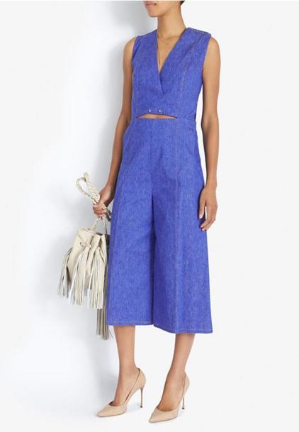 blue-med-jumpsuit-tan-shoe-pumps-spring-summer-wear-fashion-style-fringe-white-bag-lunch.jpg