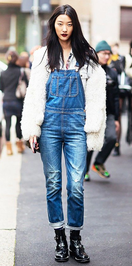 blue-med-jumpsuit-white-top-white-jacket-coat-fur-brun-black-shoe-booties-howtowear-fashion-style-outfit-fall-winter-overalls-chambray-fuzz-jacket-denim-weekend.jpg