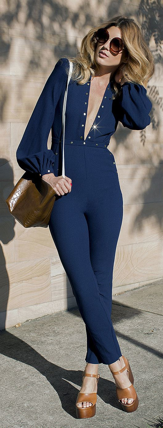 blue-navy-jumpsuit-cognac-bag-cognac-shoe-sandalw-sun-howtowear-spring-summer-blonde-lunch.jpg