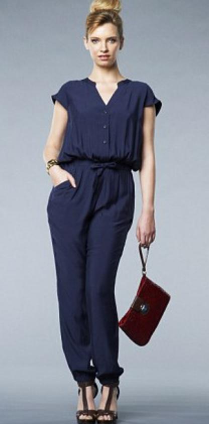 blue-navy-jumpsuit-brown-shoe-sandalh-red-bag-clutch-blonde-bun-spring-summer-wear-fashion-style-dinner.jpg