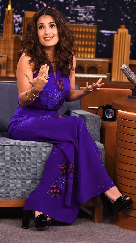 purple-royal-jumpsuit-black-shoe-sandalh-salmahayek-howtowear-fall-winter-brun-dinner.jpg