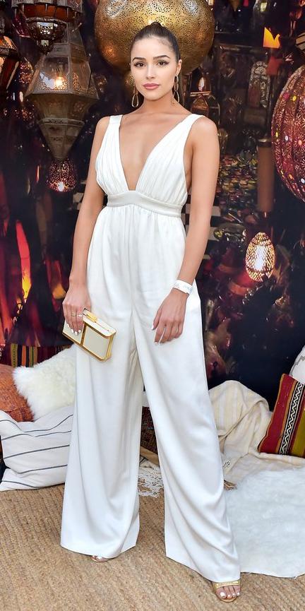 white-jumpsuit-white-bag-clutch-tan-shoe-sandalh-gold-earrings-pony-hairr-oliviaculpo-spring-summer-dinner.jpg