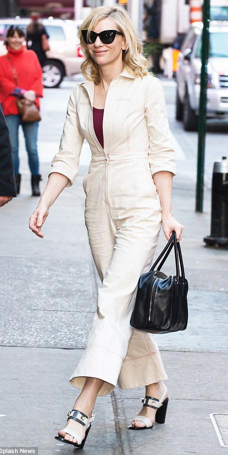 how-to-style-white-jumpsuit-burgundy-tank-black-bag-blonde-sun-lob-black-shoe-sandalh-spring-summer-fashion-lunch.jpg