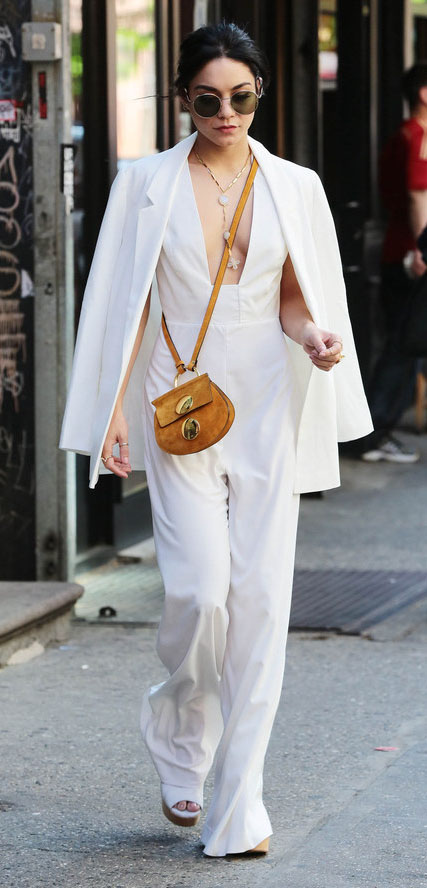 white-jumpsuit-white-jacket-blazer-yellow-bag-necklace-white-shoe-sandalw-sun-vanessahudgens-spring-summer-brun-lunch.jpg