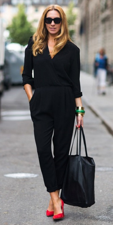 black-jumpsuit-red-shoe-pumps-black-bag-sun-hairr-bracelet-playsuit-howtowear-fashion-style-fall-winter-outfit-office-work.jpg