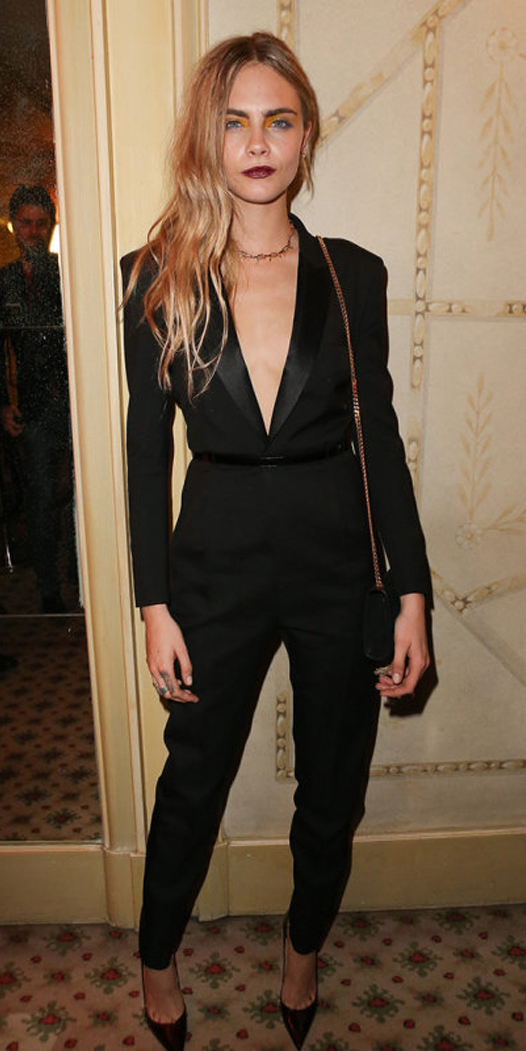 how-to-style-black-jumpsuit-necklace-black-shoe-pumps-black-bag-mono-blonde-fall-winter-fashion-holiday-nye-dinner.jpg