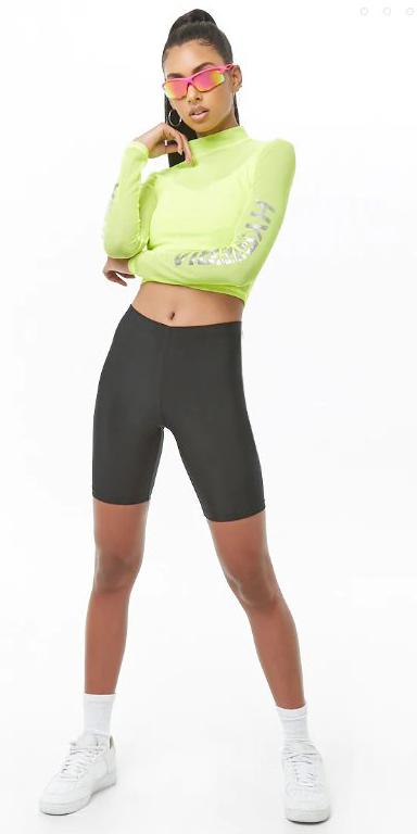 black-shorts-cycling-bike-green-light-crop-top-neon-sun-brun-pony-hoops-socks-white-shoe-sneakers-spring-summer-trend-weekend.jpg